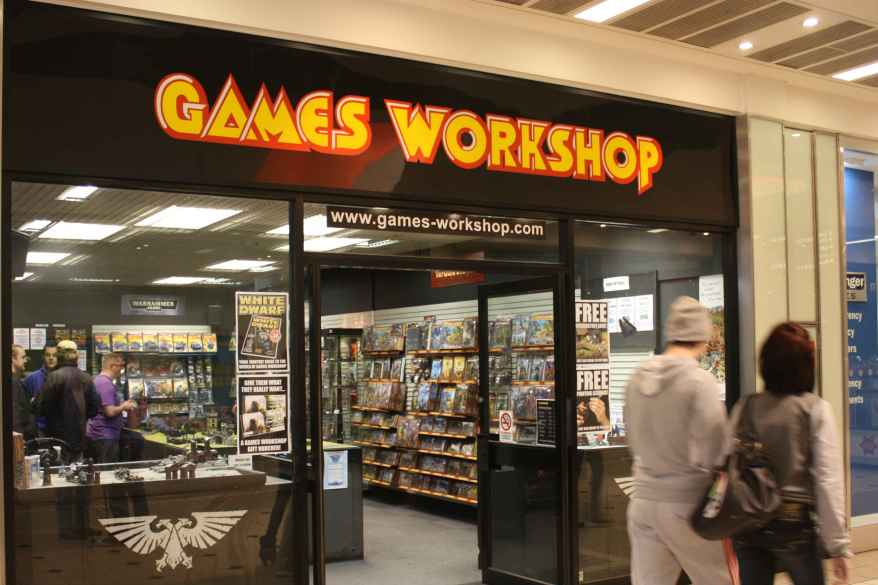 Games-Workshop_entertainment_shopfront_Wikimedia-Commons